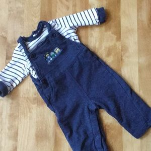 Cute choo choo outfit by little me size 6M